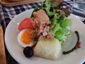 元町ランチニース風サラダ